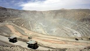 Workers at the Chuquicamata copper mine will strike after unions say that mine owner Codelco did not respond to workers' concerns over medical expenses and pensions