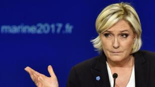 Marine Le Pen a réfuté, dimanche 9 avril 2017, la responsabilité de la France dans la rafle du Vel d'Hiv.