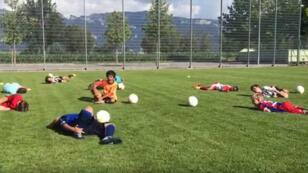 Quand des enfants s'entraînent à jouer comme Neymar.