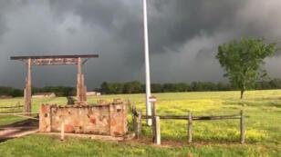 Imagen de Franklin, Texas, tomada de un video publicado en redes sociales el 13 de abril de 2019.