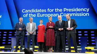 Los 'spitzenkandidaten' se preparan para el debate del 15 de mayo sobre las elecciones europeas. De izquierda a derecha: Jan Zahradil (ACRE), Nico Cué (EL), Ska Keller (EGP), Margrethe Vetager (ALDE), Frans Timmermans (PSE) y Manfred Weber (PPE)