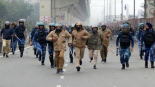 New-Delhi-protests-m