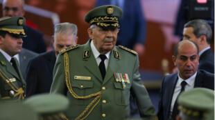 El jefe del Ejército argelino, Ahmed Gaid Salah, en la toma de posesión del  recién elegido presidente Abdelmadjid Tebboun, en Argel, el 19 de diciembre de 2019.