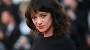 الممثلة الإيطالية آزيا أرجنتو