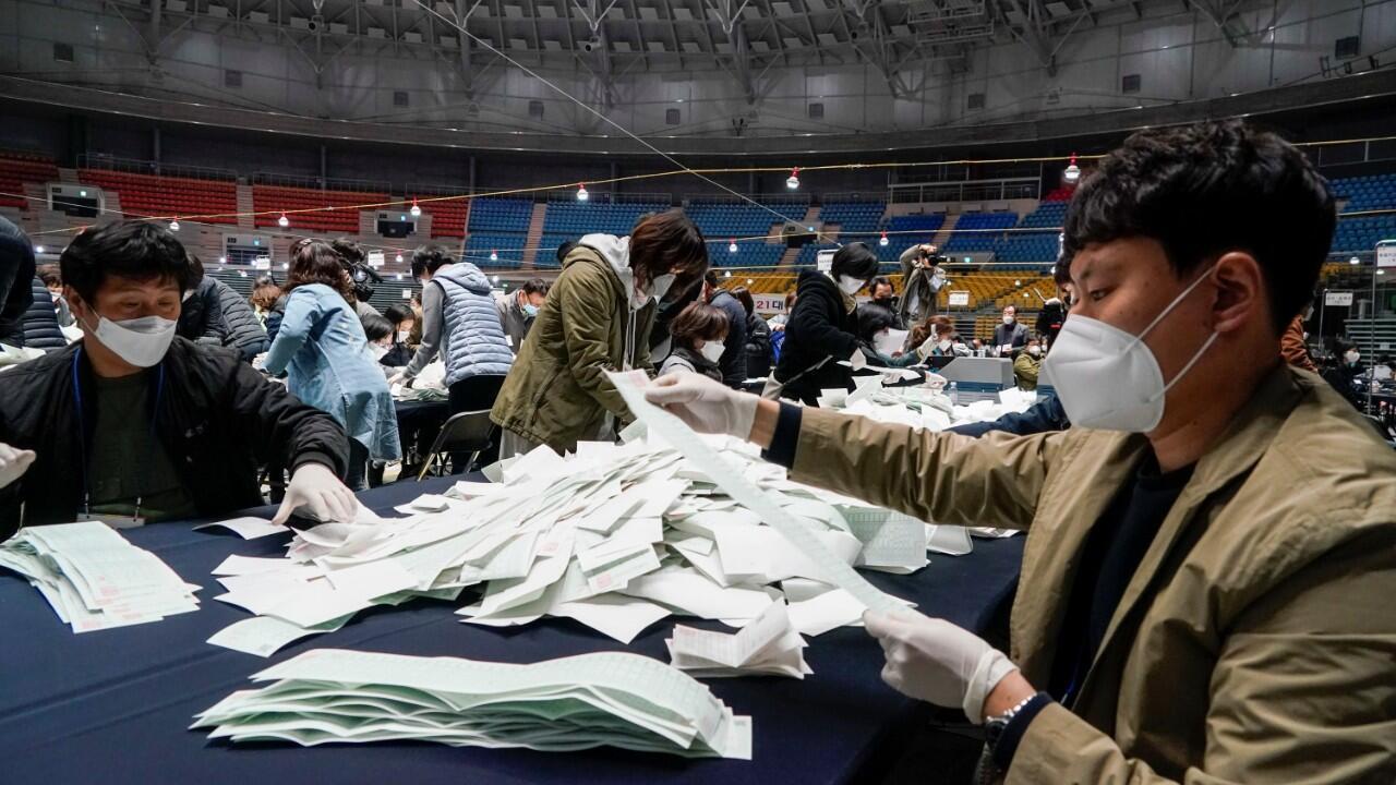 south korea legislative election coree du sud 2020-04-15T120310Z_1299216463_RC205G9JYW9R_RTRMADP_3_HEALTH-CORONAVIRUS-SOUTHKOREA-ELECTION
