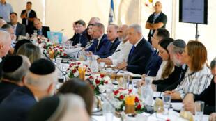 El primer ministro de Israel, Benjamín Netanyahu encabezó la reunión de su gabinete de gobierno en el Valle del Jordán, territorio que el premier pretende anexar a Israel si triunfa en las elecciones parlamentarias. Cisjordania 15/09/2019