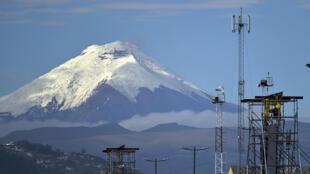 Perché à 5 897 mètres d'altitude, Cotopaxi est l'un des volcans les plus dangereux au monde.