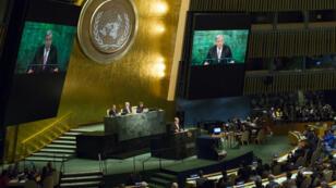 Antonio Guterres prend la parole lors de l'Assemblée générale de l'ONU, le 12 décembre 2016.