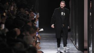 Le créateur des collections Dior homm Kim Jones à Paris, le 17 janvier 2020