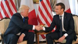 El famoso choque de manos entre Donald Trump y Emmanuel Macron, el 25 de mayo de 2017, al margen de la cumbre de la OTAN en Bruselas, Bélgica.