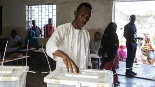 الناخبون في جزر القمر صوتوا الأحد لانتخاب رئيس للبلاد. 2019/03/24
