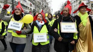 Manifestation de femmes Gilets jaunes à Paris, le 6 janvier 2019.