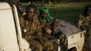 Des rebelles de la Séléka à Bangui en décembre 2013.