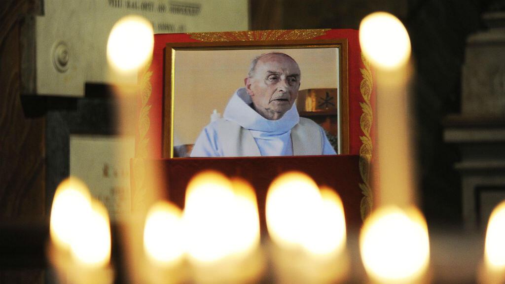 Portrait du prêtre Jacques Hamel, assassiné en juillet en l'église de Saint-Étienne-du-Rouvray.