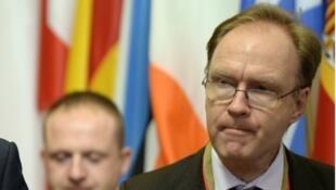 إيفان روجرز سفير بريطانيا لدى الاتحاد الأوروبي