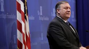 """Mike Pompeo dijo que su Gobierno está dispuesto a levantar las sanciones contrA Irán si llega a un tratado con Teherán que acabe """"permanentemente"""" con su enriquecimiento de uranio, entre otras exigencias."""