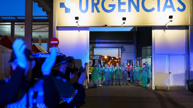 Coronavirus : plus de 4 000 morts et de 56 000 cas en Espagne