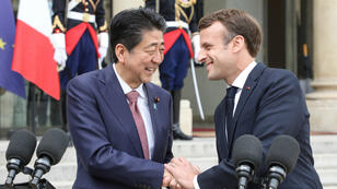 Le président français Emmanuel Macron a reçu le Premier ministre japonais Shinzo à l'Élysée le 23 avril 2019.