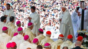 La messe de canonisation des deux bergers a rassemblé 500000 personnes à Fatima.