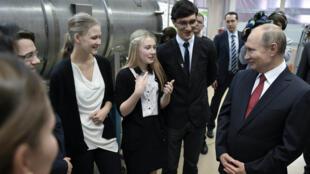 El presidente Vladímir Putin lidera los sondeos de opinión con más del 70% de respaldo