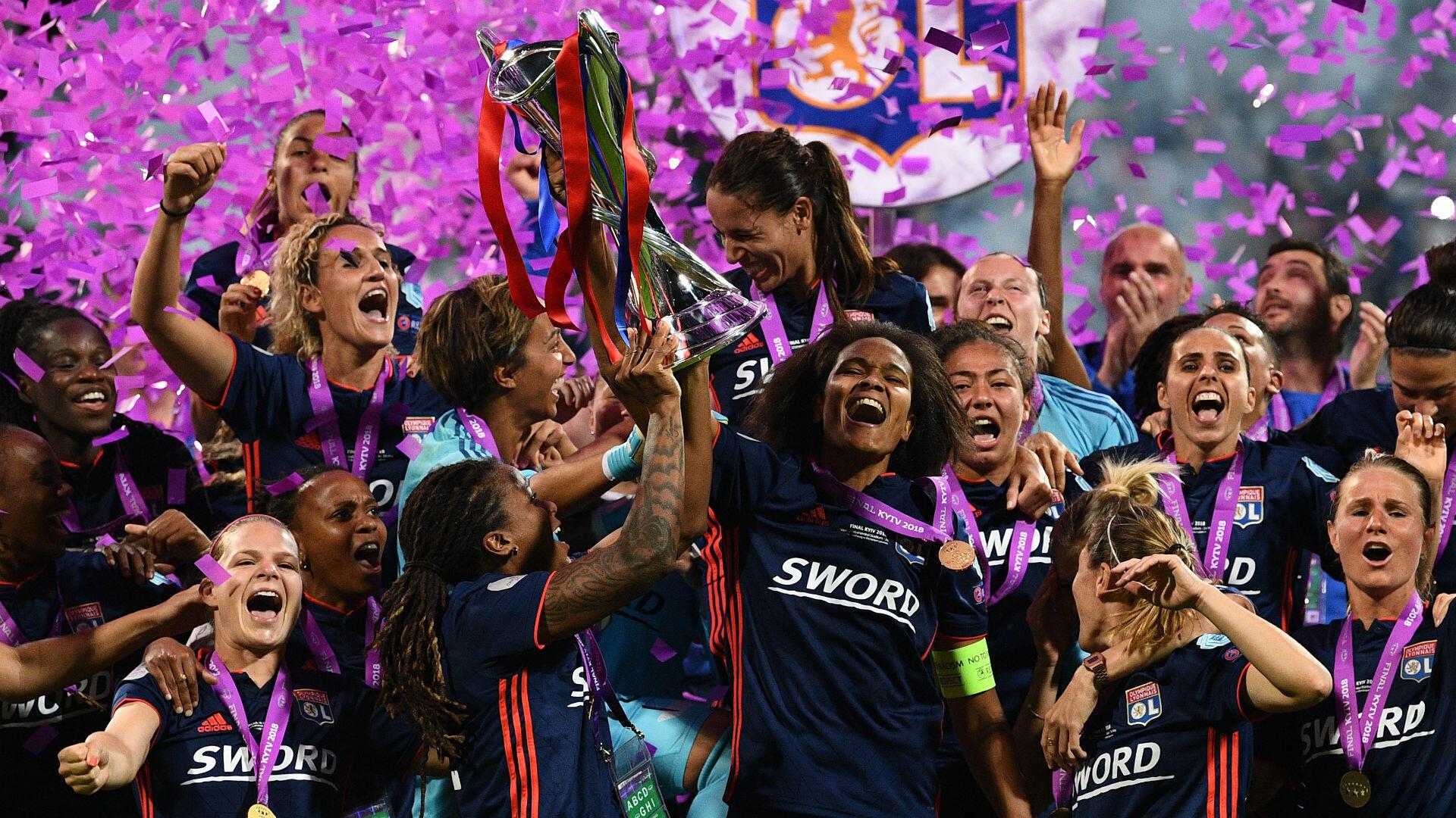 Après un printemps traditionnellement calme en matière de sport, la France retrouve le devant de la scène avec le magnifique succès de l'Olympique Lyonnais en finale de la Ligue des champions féminine de football. Un triplé historique pour l'OL, qui en appellera un autre, deux jours plus tard...