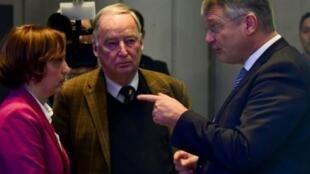 زعماء حزب البديل من أجل ألمانيا المتطرف يورغ مويتن وألكسندر غولاند.