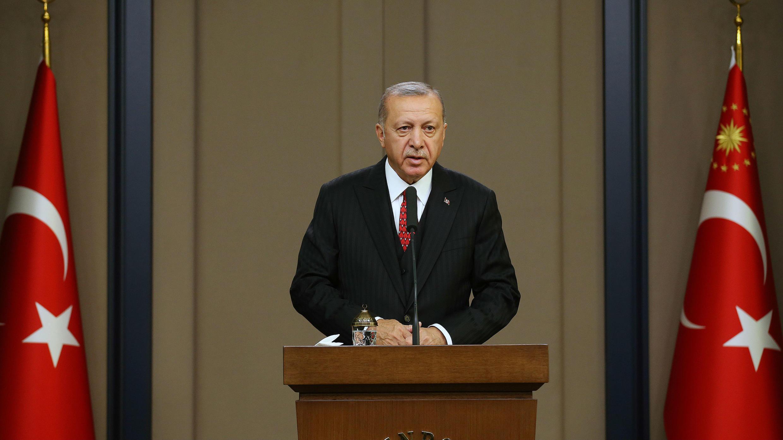 El presidente turco, Recep Tayyip Erdogan, habla en el aeropuerto de Esenboga en Ankara, Turquía, el 7 de octubre de 2019.