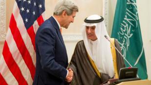 وزير الخارجية الأمريكي جون كيري مع نظيره السعودي عادل الجبير في الرياض