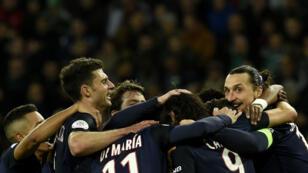 Explosion de joie des joueurs du PSG qui enregistrent un record d'invincibilité sur 32 matches.