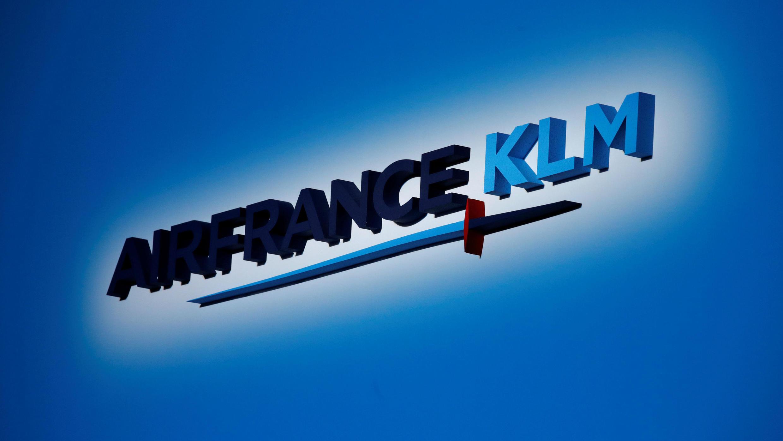 Logo del grupo Air France - KLM, durante reunión de accionistas de la compañía en Puteaux, Francia el 15 de mayo de 2018.