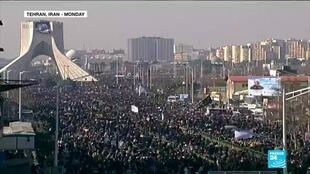 2020-01-07 11:01 Huge crowds across Iran gather to mourn top general Soleimani