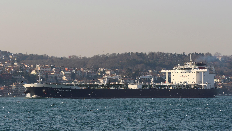 Imagen del carguero 'British Heritage' en el Mar Negro en Estambul, Turquía. 1 de marzo de 2019.