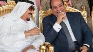 السيسي مع الملك سلمان في حفر الباطن خلال حضور مناورات رعد الشمال 10 مارس 2016