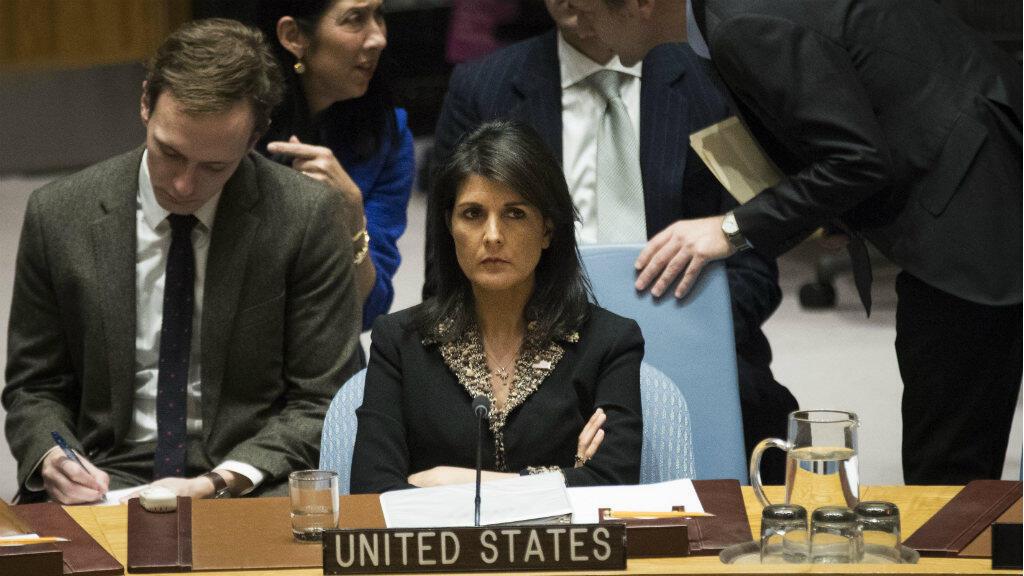 L'ambassadrice américaine à l'ONU, Nikki Haley, a dénoncé le vote unanime de ses 14 partenaires au Conseil de Sécurité de l'ONU.
