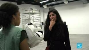 2020-01-20 13:54 Women in art: French artist Sarah Trouche combats gender hierarchies