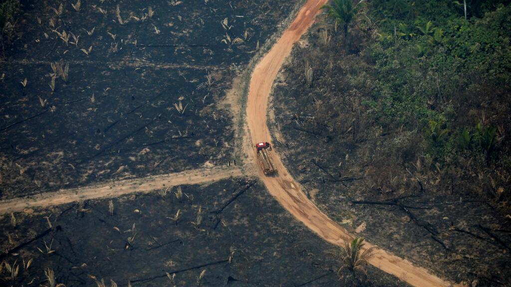 Vista aérea de un terreno deforestado, quemado por los incendios que azotan la Amazonía desde inicios de agosto. Boca do Acre, estado de Amazonas, Brasil, el 24 de agosto de 2019.