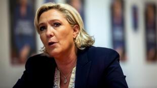 Marine Le Pen, mercredi 14 juin, lors d'une conférence de presse à Lens, dans le Pas-de-Calais.