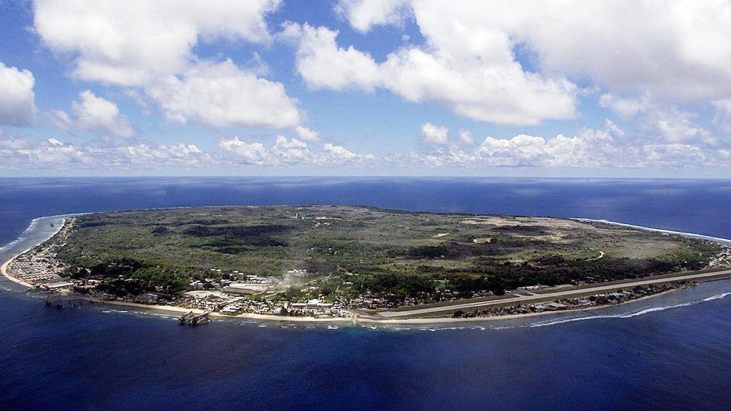 Les migrants recueillis sur les côtes australiennes sont parqués dans un centre de détention sur l'île de Nauru.