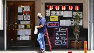 Los salones de los restaurantes en Los Ángeles ya habían cerrado por orden del gobernador