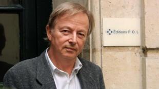Le directeur et fondateur de la maison d'édition P.O.L., Paul Otchakovsky-Laurens, le 10 septembre 2001 à Paris.