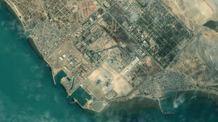صورة موزعة للقطة عبر الأقمار الاصطناعية نشرتها ماكسار للتكنولوجيا بتاريخ 8 كانون الثاني/يناير 2020 تظهر لقطة لمحطة بوشهر للطاقة النووية في إيران