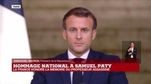 2020-10-21 19:45 REPLAY - Hommage national à Samuel Paty : discours d'Emmanuel Macron à la Sorbonne