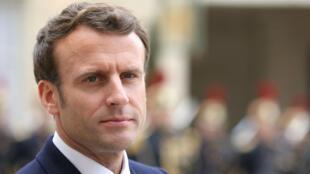 Emmanuel Macron, dans la cour de l'Élysée, le 6 mai 2019.