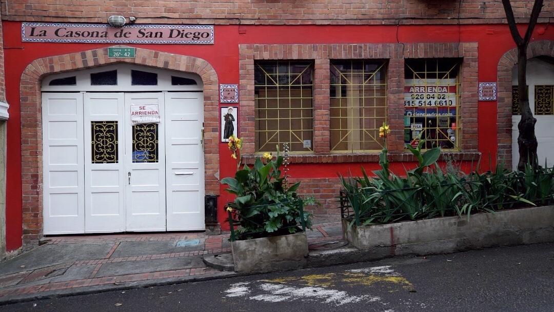 Uno de los restaurantes cerrados por la crisis desatada por la pandemia en Bogotá, Colombia.