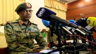 عوض محمد أحمد بن عوف، النائب الأول للرئيس السوداني عقب أدائه اليمين في الخرطوم، السودان 24 فبراير/شباط 2019
