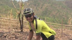 El peruano Rodney Soncco recorre Laos en una prueba de ultra ciclsimo.