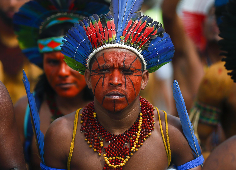"""""""Los pueblos indígenas de Brasil enfrentan una seria amenaza a su propia supervivencia con el surgimiento de la pandemia COVID-19"""", leyó la carta abierta firmada por celebridades y enviada al presidente Jair Bolsonaro"""
