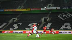 أول مباراة مغلقة في تاريخ الدوري الألماني. 11 مارس/آذار 2020.