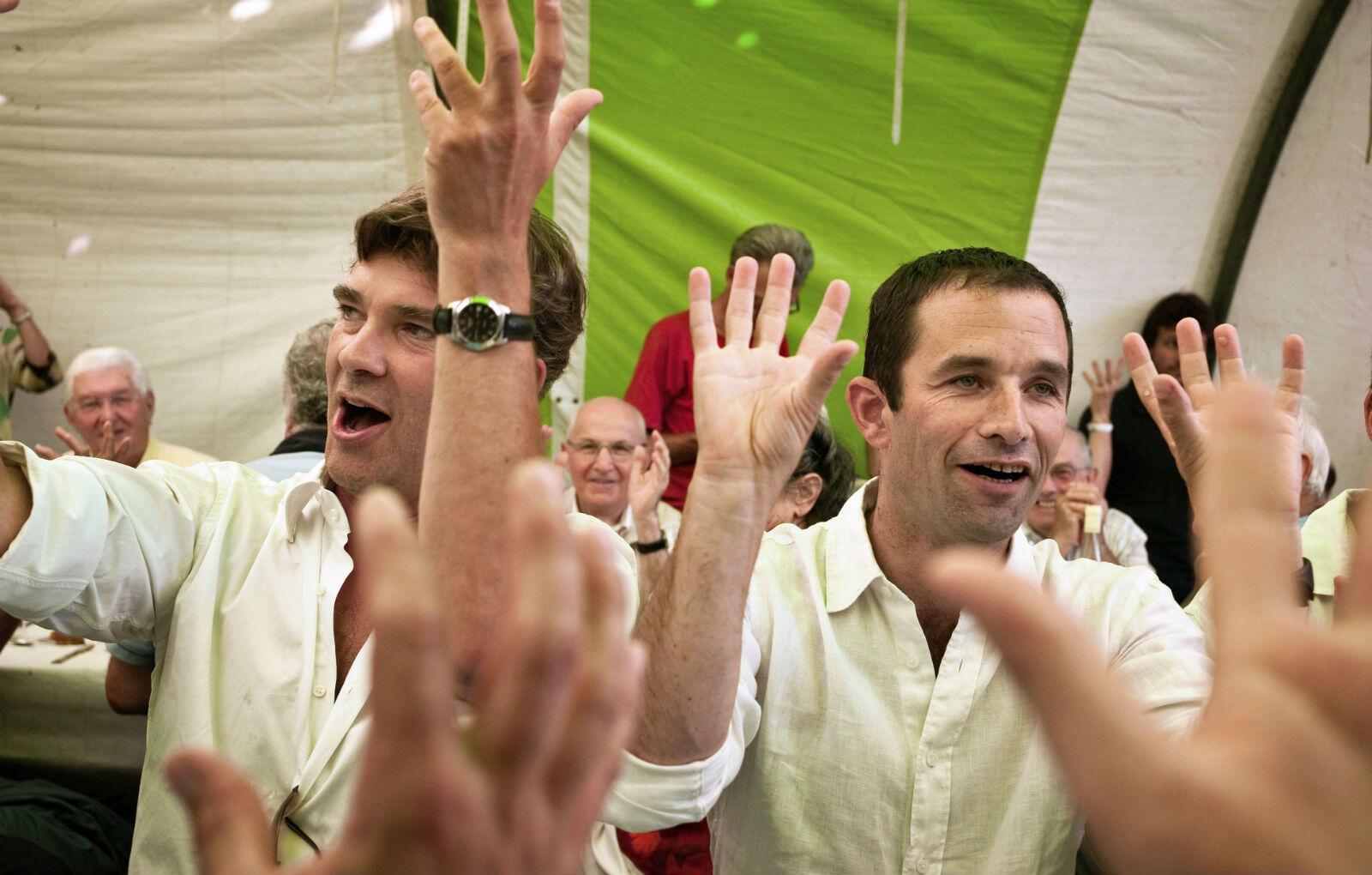 Il s'est souvent associé à Arnaud Montebourg pour faire entendre sa voix. Comme ici, lorsqu'il participe à la traditionnelle fête de la Rose à Frangy-en-Bresse en 2008.