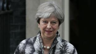 Theresa May était invité à se justifier devant les députés conservateurs lundi 12 juin.